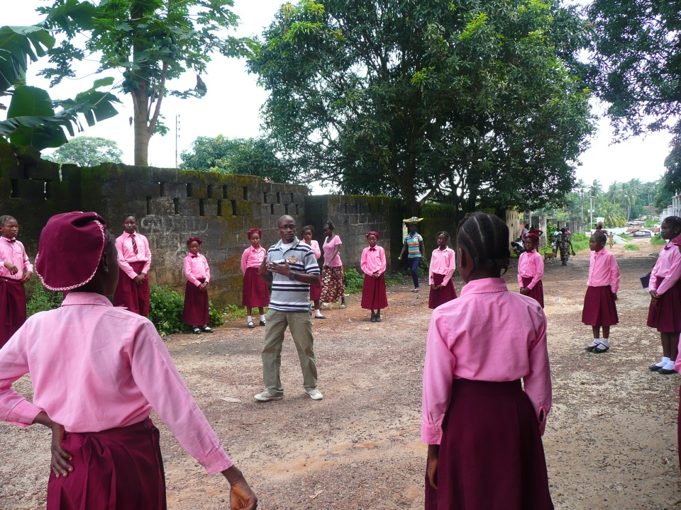We were lucky enough to do a site visit to a local primary school in Bo, where our partner RADA is working with adolescent girls implementing Goal.